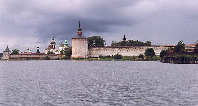the St. Cyril-Belozersk monasteryь, click to enlarge